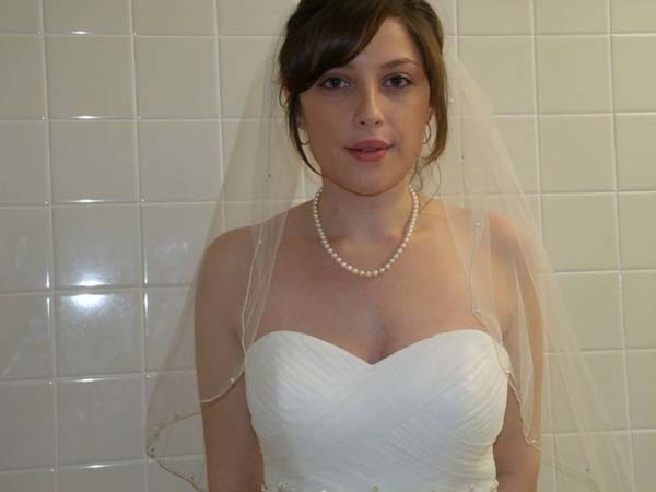 In just a few hours the bride was able to find and purchase a dress.