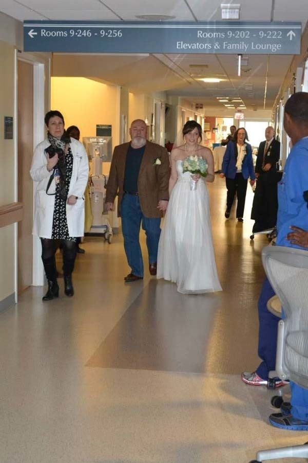 Then, the doctors, nurses and other staff were present for the wedding.