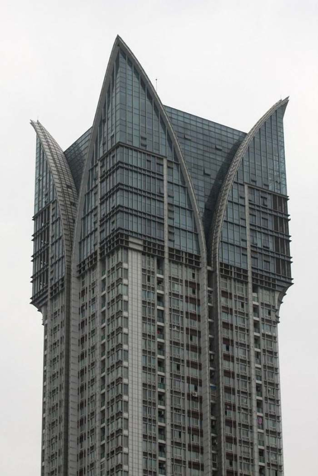 7.) This sort of looks like the zipper of a jacket, or some kind of evil tower.